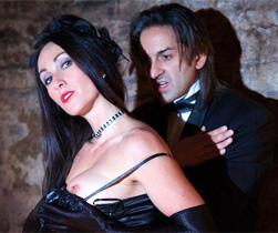 Miss Hybrid seduce il Conte Dracula