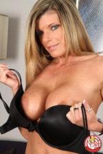 Kristal Summers, la quarantenne in calore!